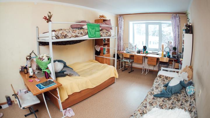 Среди учеников ФМШ новая вспышка коронавируса — одно из общежитий закрыли на карантин