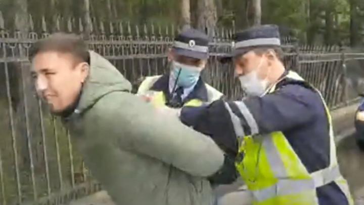 Лидера активистов Куштау заковали в наручники у уфимского изолятора