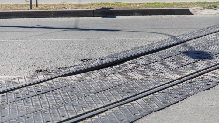 Теперь не будет пробок: в центре Волгограда завершили ремонт трамвайного переезда на 7-й Гвардейской