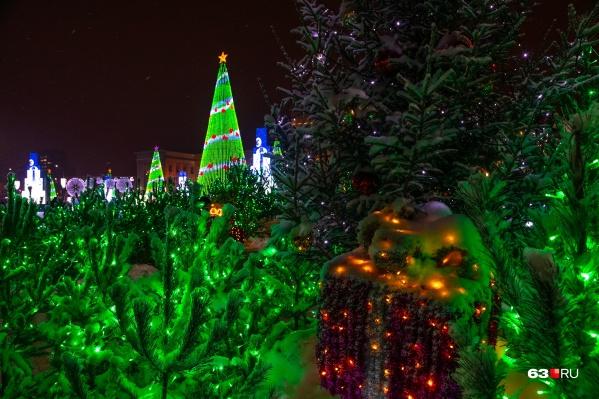 Пусть 2021 год будет по-настоящему сказочным для вас и ваших близких, как этот волшебный новогодний лес на площади Куйбышева