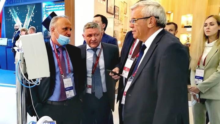 Саровские ученые презентовали уникальный медицинский аппарат для борьбы с COVID-19