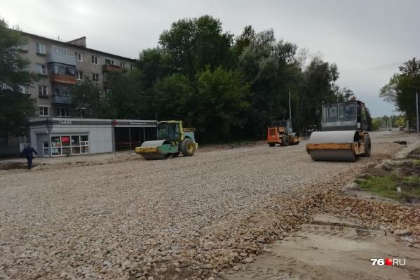 В октябре подрядчик должен сдать отремонтированное Тутаевское шоссе