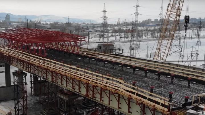 Над трёхуровневой развязкой на М-5 в Тольятти установили передвижной парник