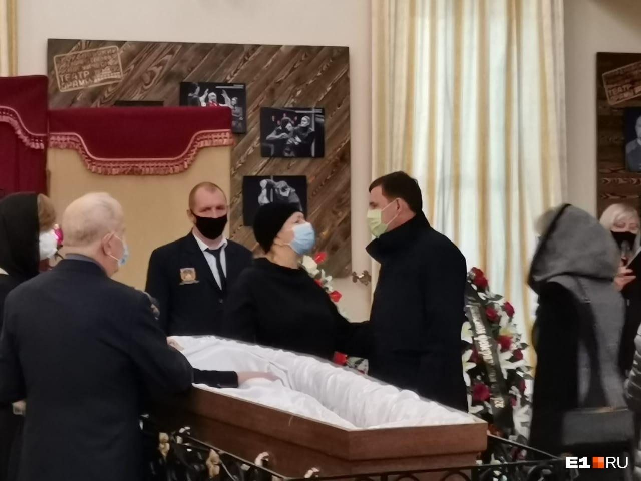 На прощание пришел губернатор Свердловской области Евгений Куйвашев