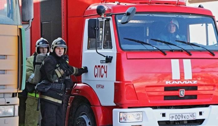 В Кургане в пожаре на предприятии пострадали четыре человека