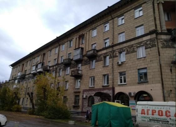 В общежитии на Титова произошел пожар — он начался в парилке на цокольном этаже