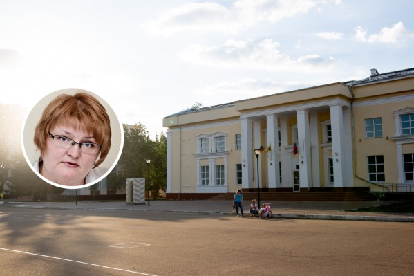 После известия о том, что Жанна Петрова подхватила вирус, здание администрации продезинфицировали