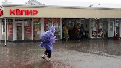 Гроза, град, ливень: в Ростовской области объявили штормовое предупреждение