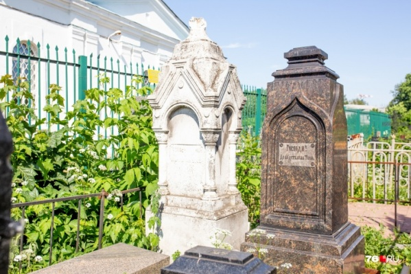 Леонтьевское кладбище — одно из самых красивых в городе