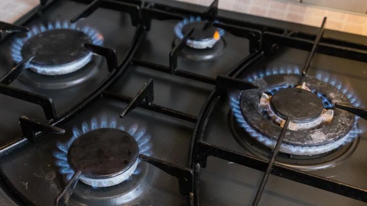 Не пускаете газовщиков домой для проверки плиты? Рассказываем, какой за это грозит штраф