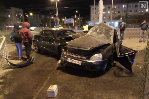В аварии серьезно пострадал один из водителей