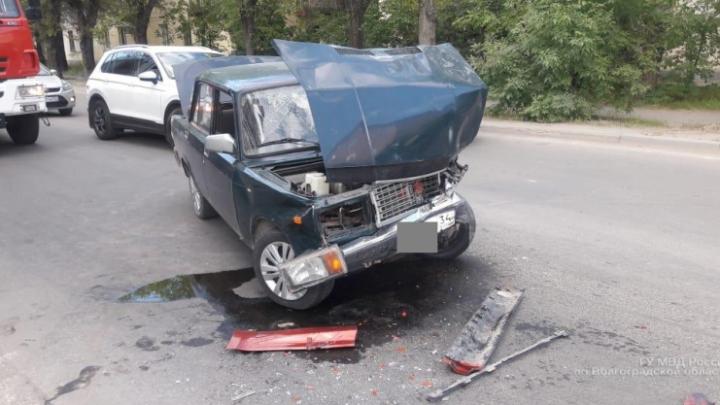 Внимание, розыск: волгоградец на «семёрке» врезался в Land Rover и бросил раненого