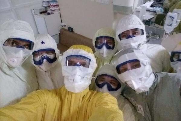 По данным Минздрава Кузбасса, в регионе с коронавирусом работают больше 3000 медиков