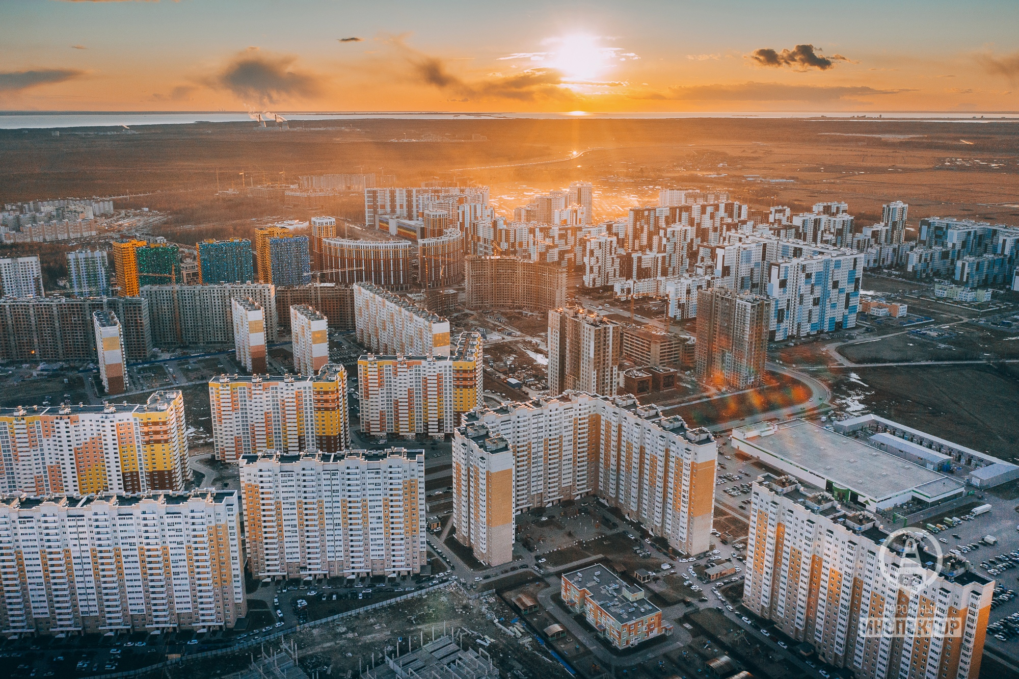 Закат солнца в Приморском районе 30 марта.