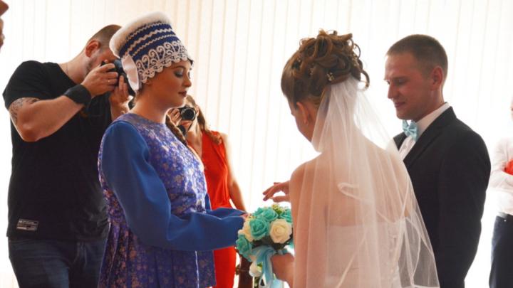 В Архангельской области разрешили торжественно проводить бракосочетания в ЗАГСах
