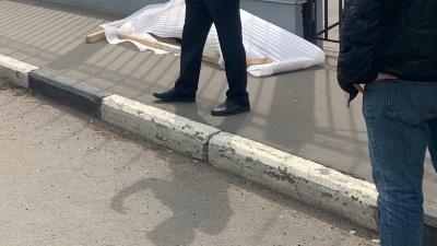 В центре Ярославля на тротуаре нашли труп мужчины