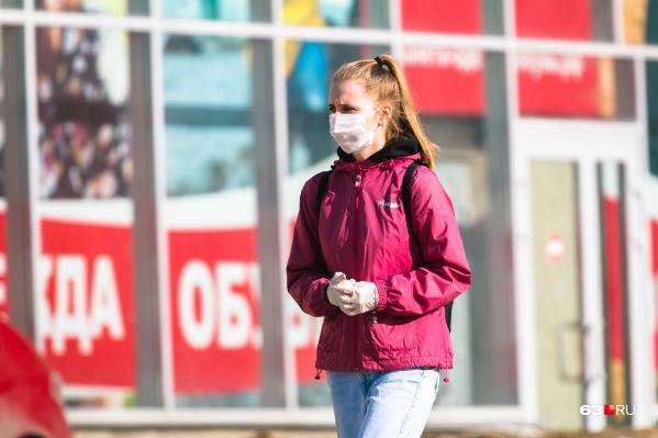 По всей видимости, маски придется носить еще долго