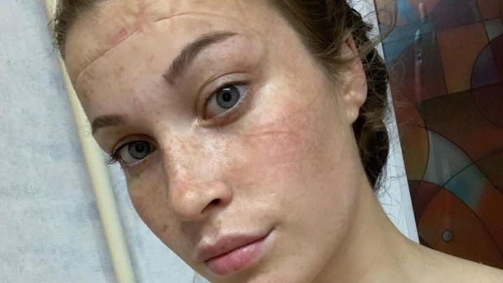 Красивая студентка-медик показала свои фото после 9-часовой смены в ковидном госпитале