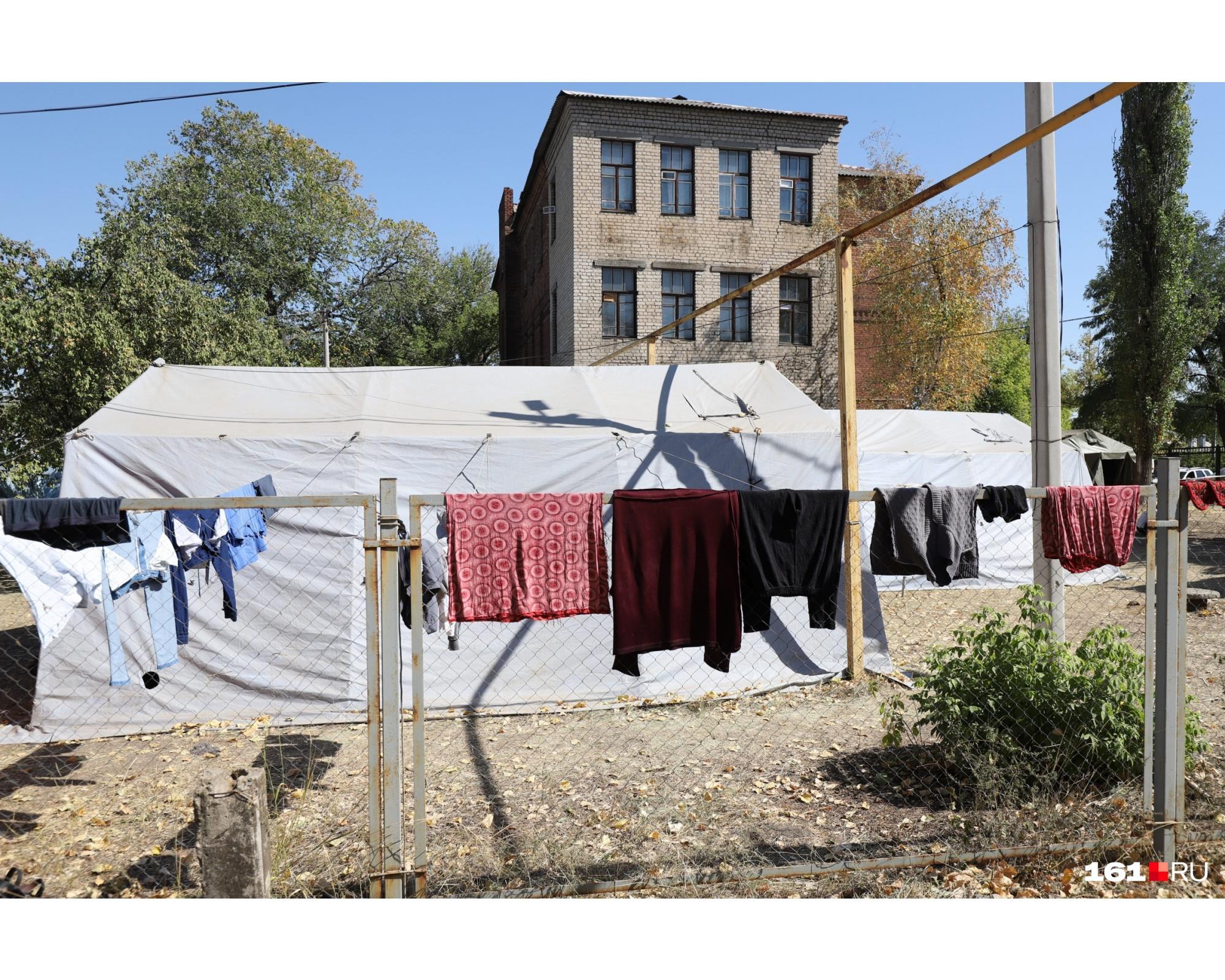 Постирать одежду получилось только у жителей официального ПВР