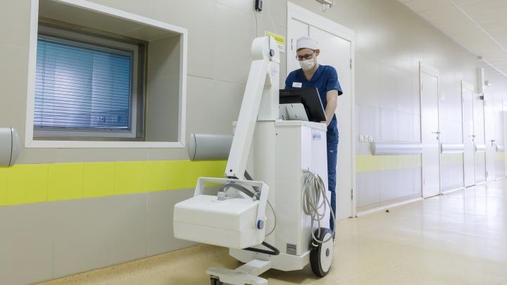 За сутки в Новосибирске выявили 8 новых заболевших коронавирусом — где и как они заразились