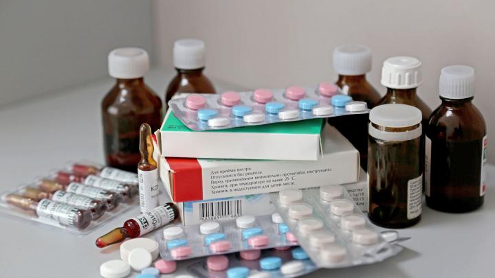 «Один идиот из ВОЗ ляпнул, что он помогает от коронавируса»: мужчина рассказал о дефиците «Метипреда» в аптеках