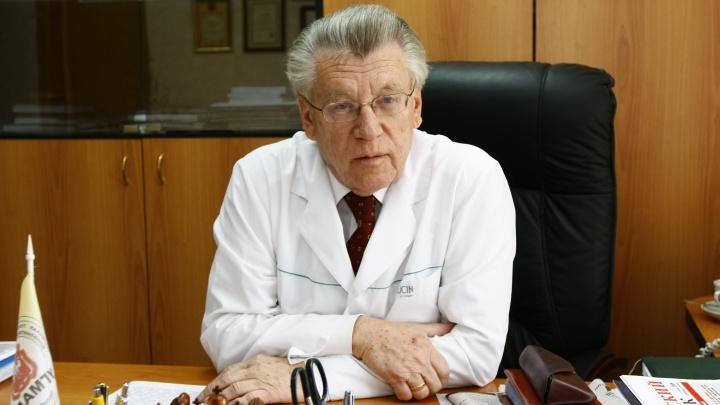 В Челябинске от коронавируса скончался заслуженный врач