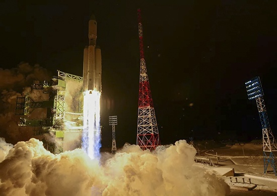 Губернатор поздравил жителей с запуском ракеты «Ангара-А5», которую строили в Омске