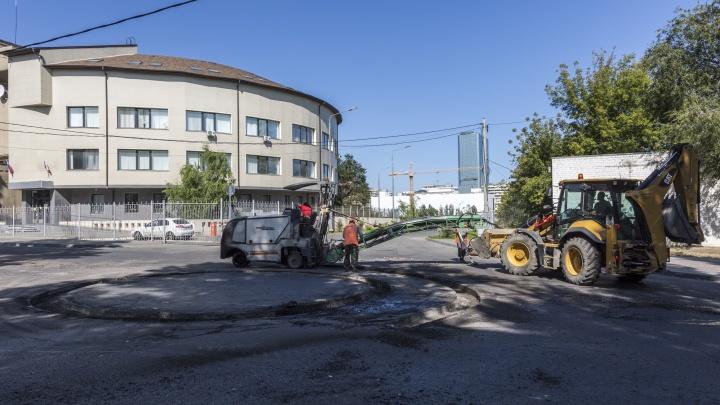 Там всегда стоят пробки: в Волгограде делают кольцо на перекрестке Циолковского и Калинина