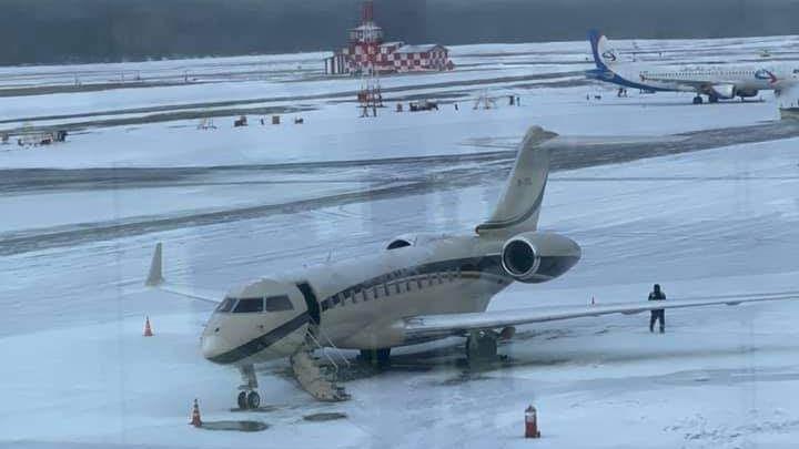 Ночью в красноярском аэропорту приземлился самолет Игоря Сечина