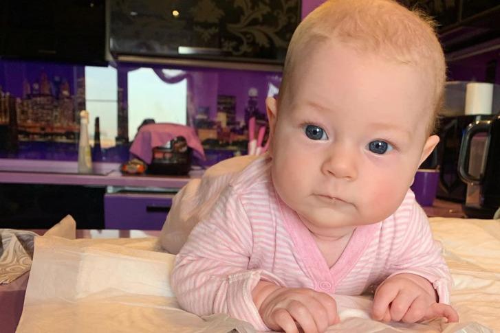 Малышка Каталина, дочь экс-фигуристки Юлии Липницкой, родилась в июне