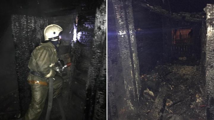 Три человека погибли в пожаре под Новосибирском