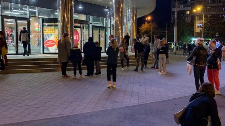 На Уралмаше эвакуировали ТЦ «Омега»