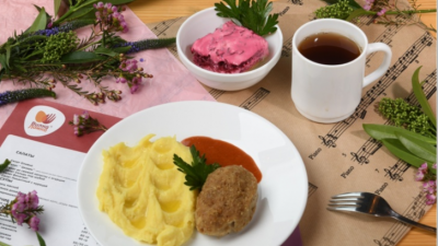 Еда на удаленке: федеральная сеть «Вилка-Ложка» организовала доставку еды и готовых блюд навынос