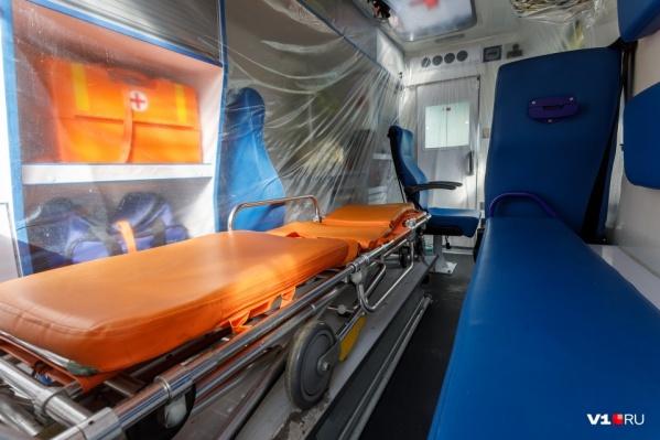 Весь апрель водители забирали пациентов с подозрением на COVID-19