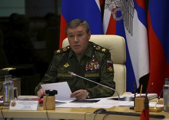 Замминистра обороны РФ посетит учения на границе с Украиной