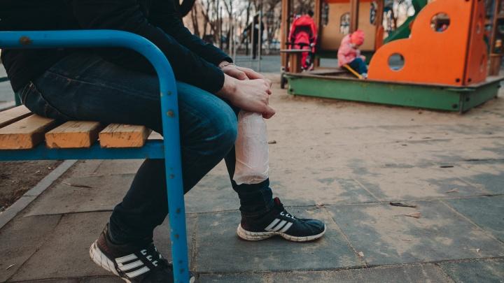 В Ялуторовске подросток пнул в живот женщину-полицейского