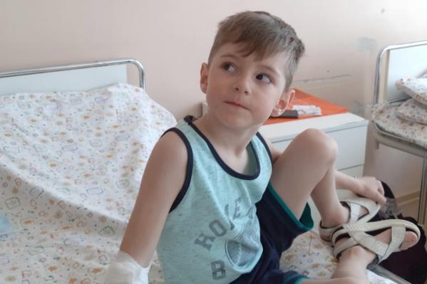 Пятилетнего Стасика уже выписали домой