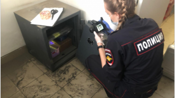 В Кировском районе горе-воры залезли в «Фикс Прайс», но не смогли украсть сейф