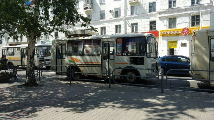 В Кургане возобновили автобусные рейсы до пляжа «Голубые озёра»