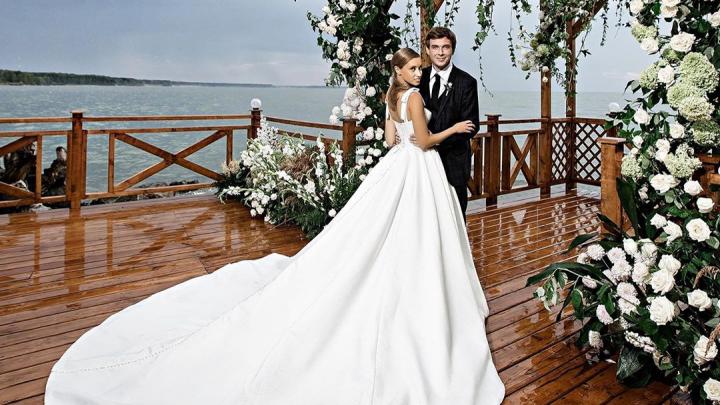 Миллионы за фату: смотрим на самые шикарные, трогательные и необычные свадьбы лета-2020