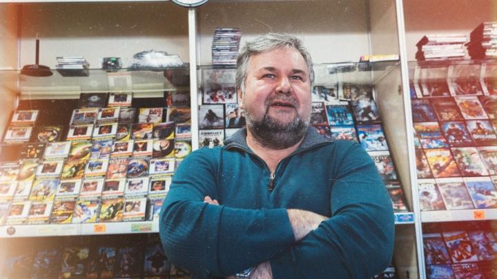 Продавец Dendy: как на омском рынке выживает бизнес по продаже игровых приставок из 90-х