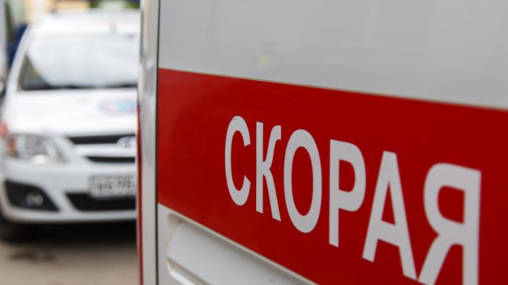 Пострадали ребенок и пациентка: в Волгограде скорая помощь врезалась в две иномарки