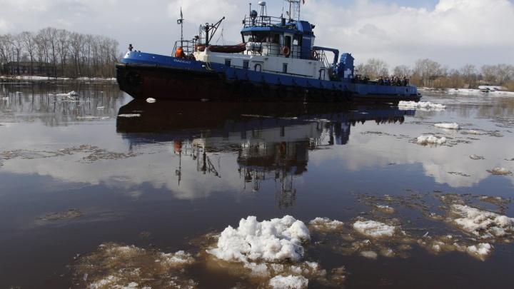 Буксир, работающий между лесозаводом № 14 и Маймаксанским портом, перевели на другую переправу