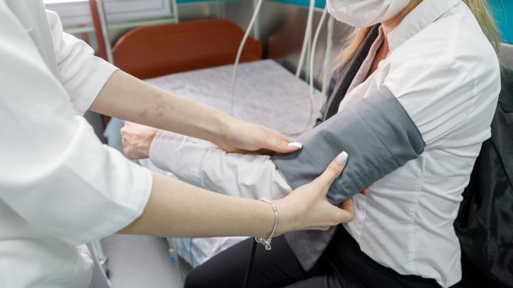 233 ребёнка: в волгоградских больницах с коронавирусом и подозрением на заражение лежат 5280 человек