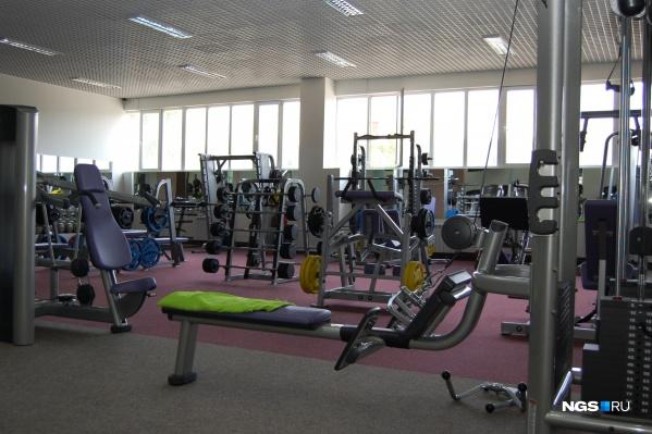 Залы фитнес-клубов пустуют уже три месяца. И надежд на то, что они скоро откроются, пока нет