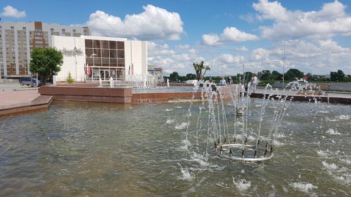В Кургане фонтан на Троицкой площади оборудуют подсветкой и музыкой