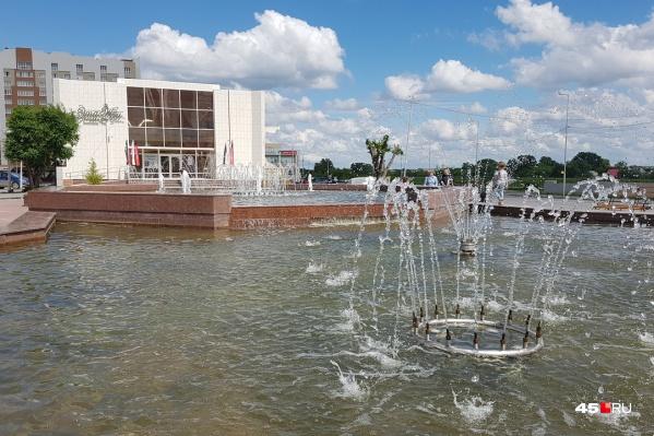 Фонтан на Троицкой площади будут ремонтировать