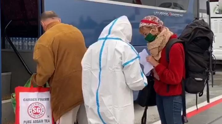 В Челябинск вернулись туристы, эвакуированные из-за COVID-19 из Индии