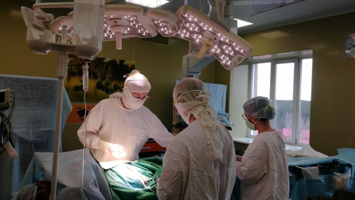Отделение челябинского онкоцентра второй раз с начала месяца закрыли из-за COVID-19 у пациентов