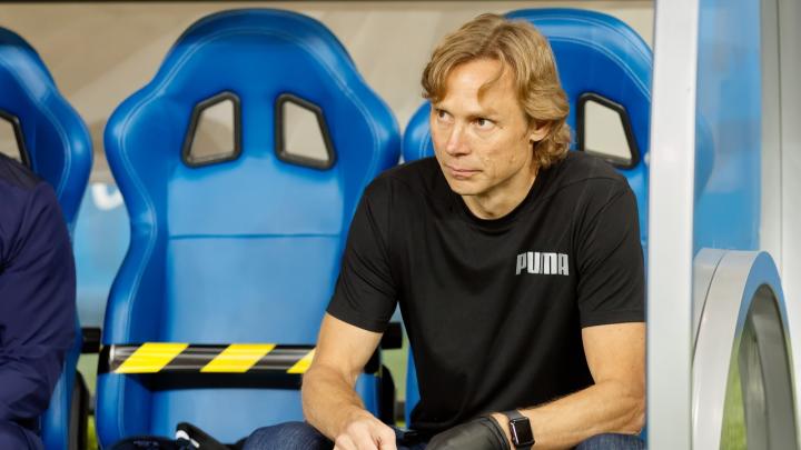 «Это предвзятое судейство»: Карпин верит, что РФС отменит его удаление в матче «Сочи» — «Ростов»